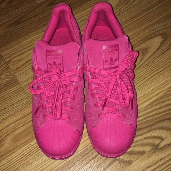 6af4e81730 Hot pink shell toe Adidas. Women's size 8